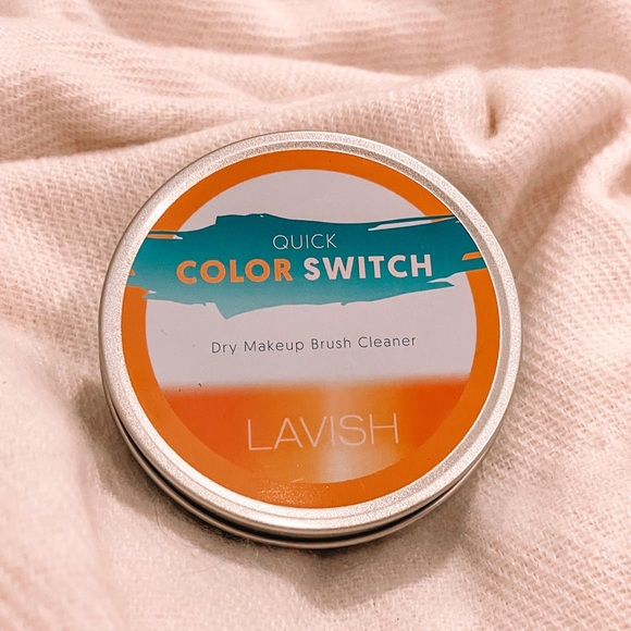 NEW Lavish Quick Color Switch Dry Brush Cleaner